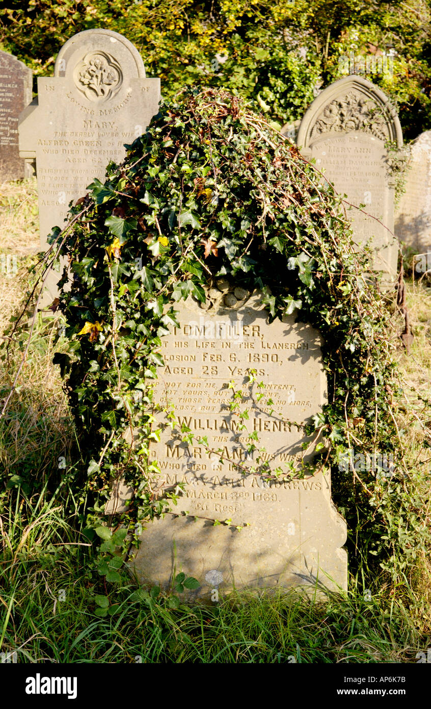 Gravestone of Tom Filer aged 28 killed in Llanerch Colliery explosion 6th Feb 1890 when 176 men lost their lives im South Wales - Stock Image