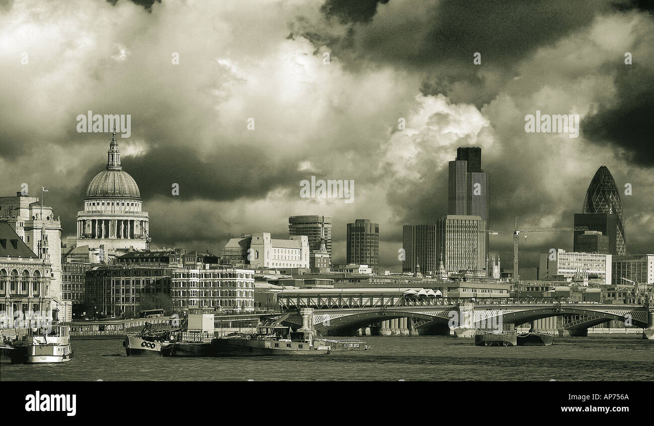 London Panorama - the city - sepia tones - Stock Image