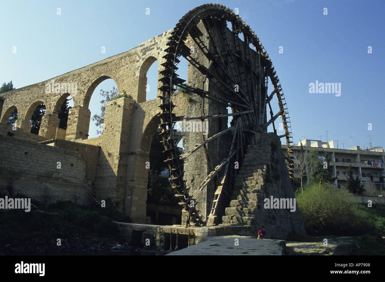Syria hama waterwheel noria on the orontes river Stock Photo