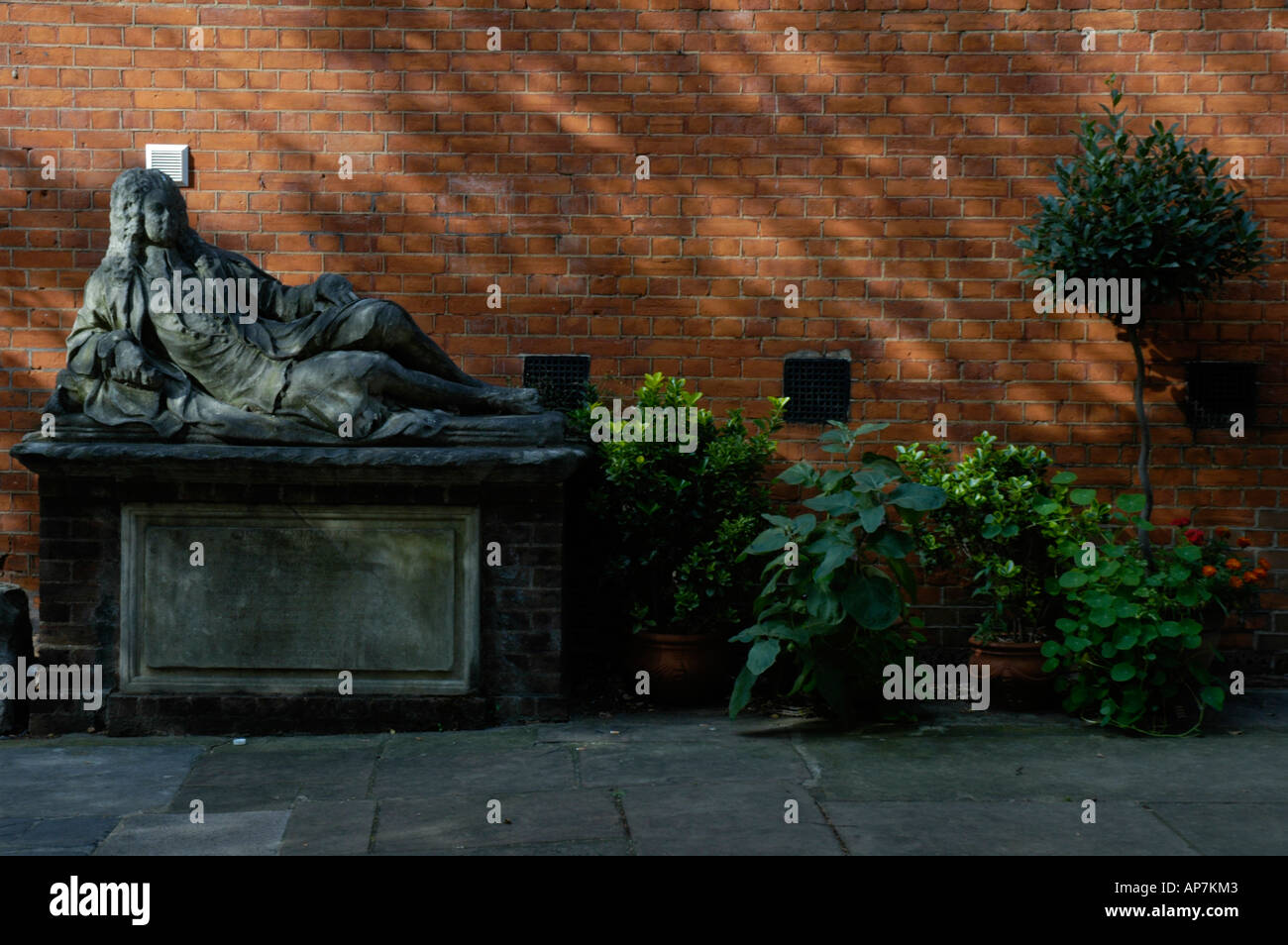 Statue in courtyard of Middle Temple Inns of the Court London England - Stock Image