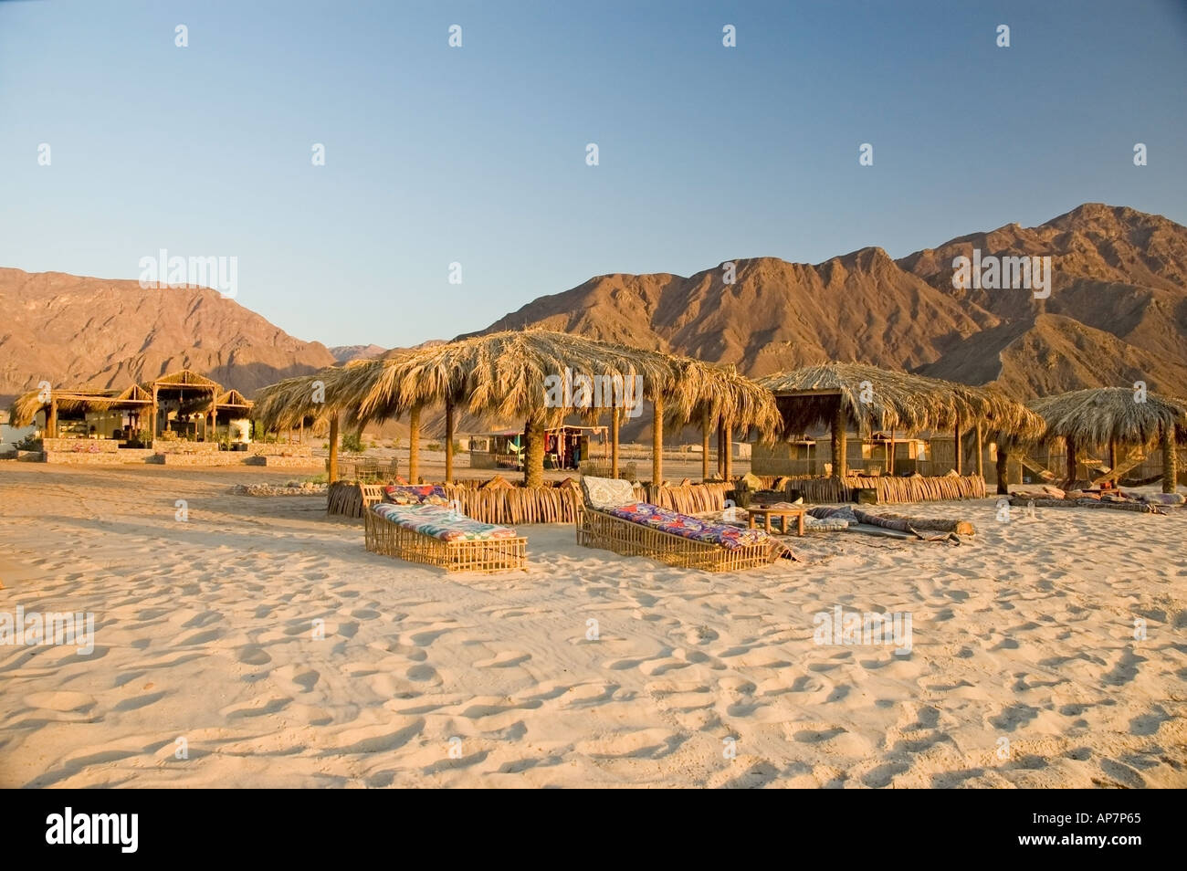 Cheap accomodation on the beach between Nuweiba and Taba, Gulf of Aqaba, Red Sea. DSC_4779 - Stock Image