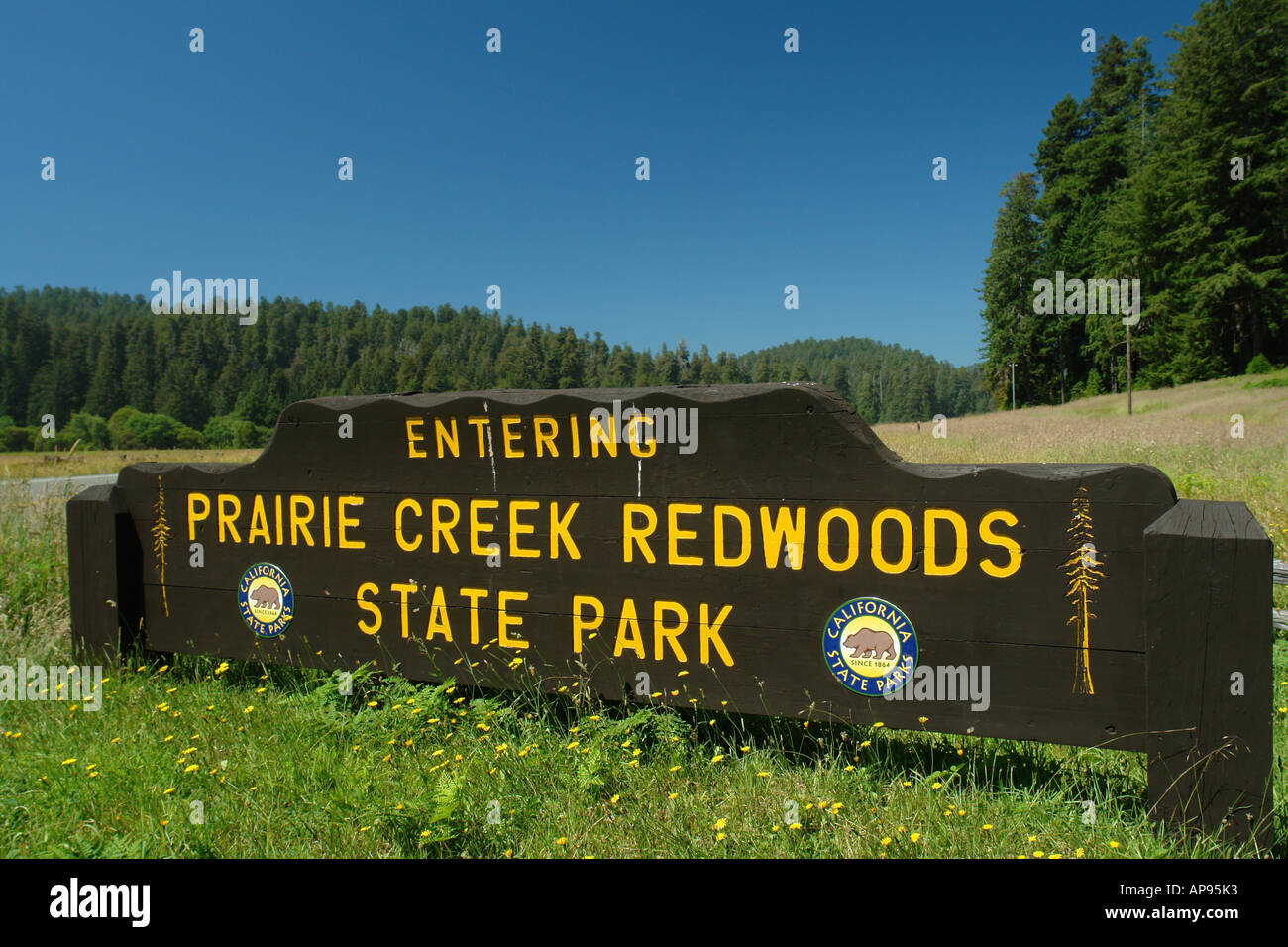 AJD51315, Prairie Creek Redwoods State Park, CA, California, Redwood National and State Parks, entrance sign - Stock Image