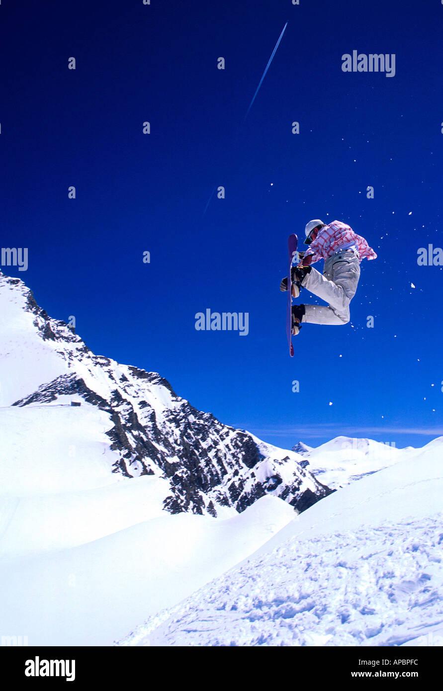 Top snowboarder Matt Burt in Kaprun Austria Stock Photo
