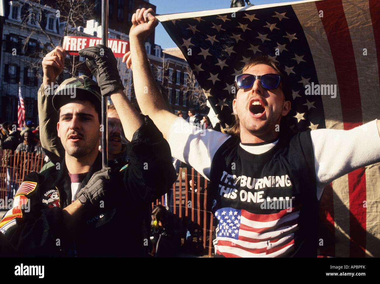 Pro War demonstrator holds American Flag Iraq War Washington DC pro war USA demonstration peace conflict - Stock Image