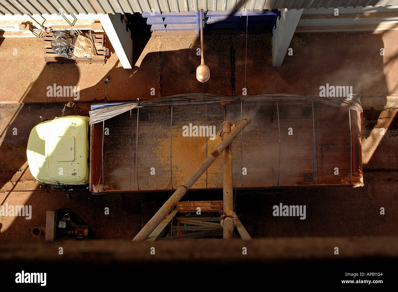 "Loading of a truck with soy beans by the ""Companhia de Armazens e Silos do Estado de Minas Gerais"" (CASEMG) in Uberaba Stock Photo"