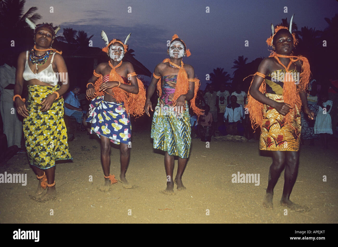 young dances in Ekpe (leopard cult) performance in remote rainforest village in Cameroon - Stock Image