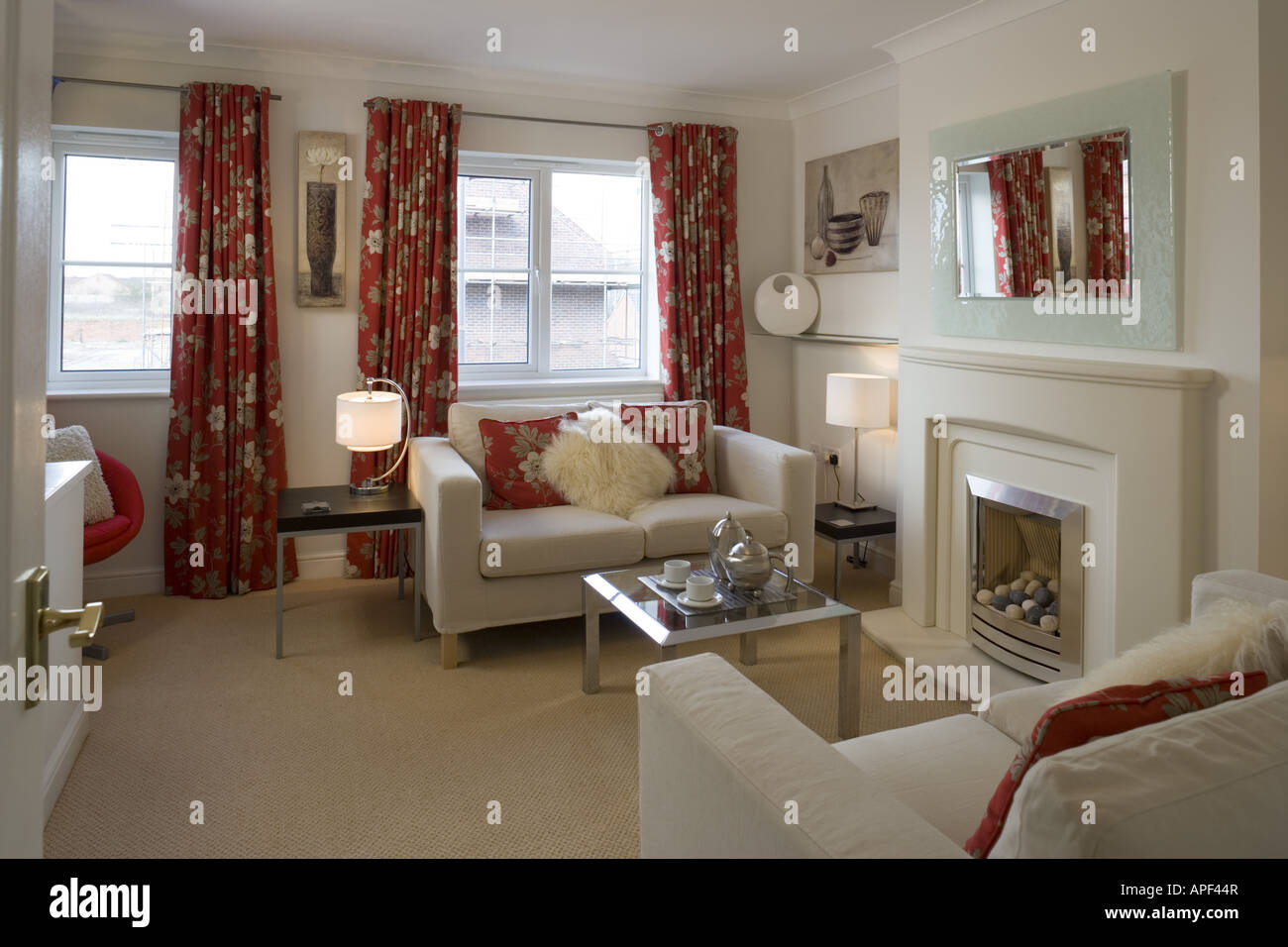 Living Room With Floral Patterned And Co Ordinating Soft Furnishings