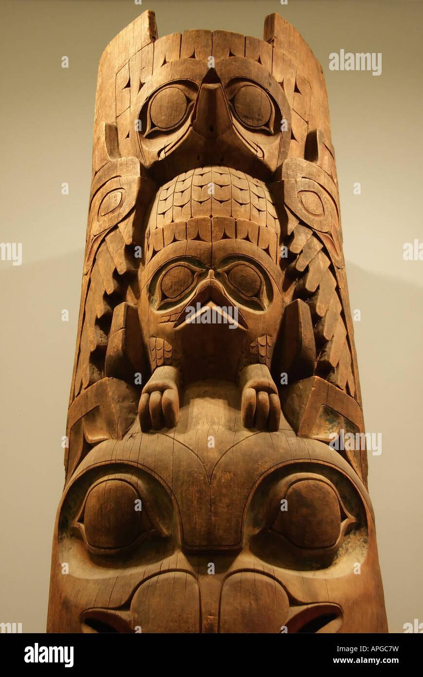 Amerindian totem pole- British Museum - Stock Image