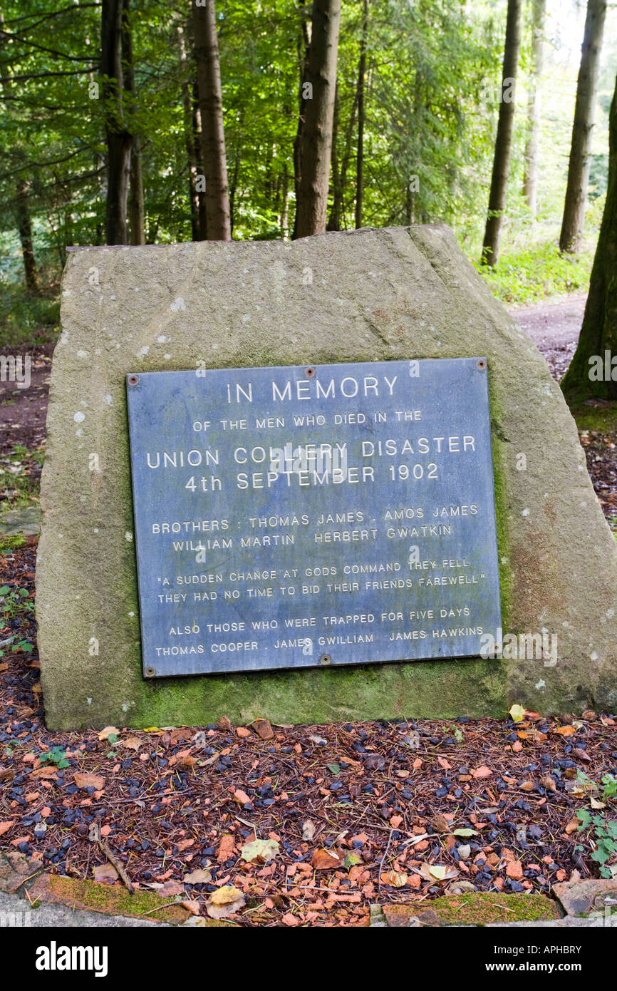 Memorial in the Forest of Dean at Bixslade, Gloucestershire to the men who died in the Union Colliery disaster of - Stock Image