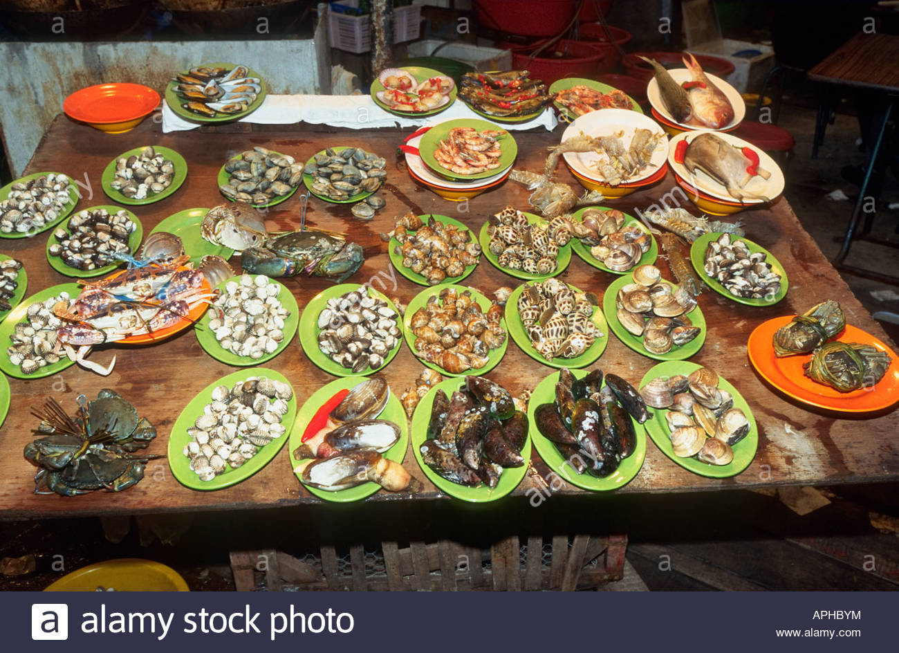 Street restaurant chinese food seafood plate delicacy cuisine stock street restaurant chinese food seafood plate delicacy cuisine traditional cooking night temple street kowloon hong kong china forumfinder Choice Image