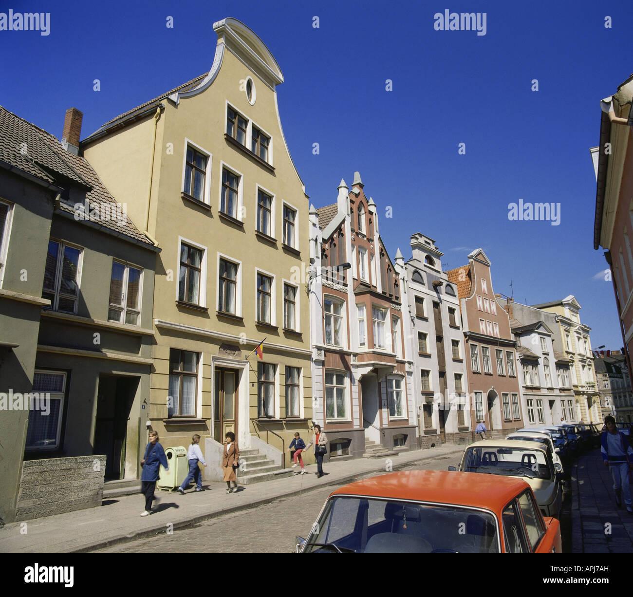 geography / travel, Germany, Mecklenburg-Western Pomerania, Wismar, street scenes, gabled houses in Bohrstraße, - Stock Image