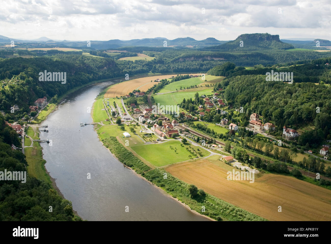 Elbe river and the village of Oberrathen, Saxon Switzerland national park, Germany - Stock Image