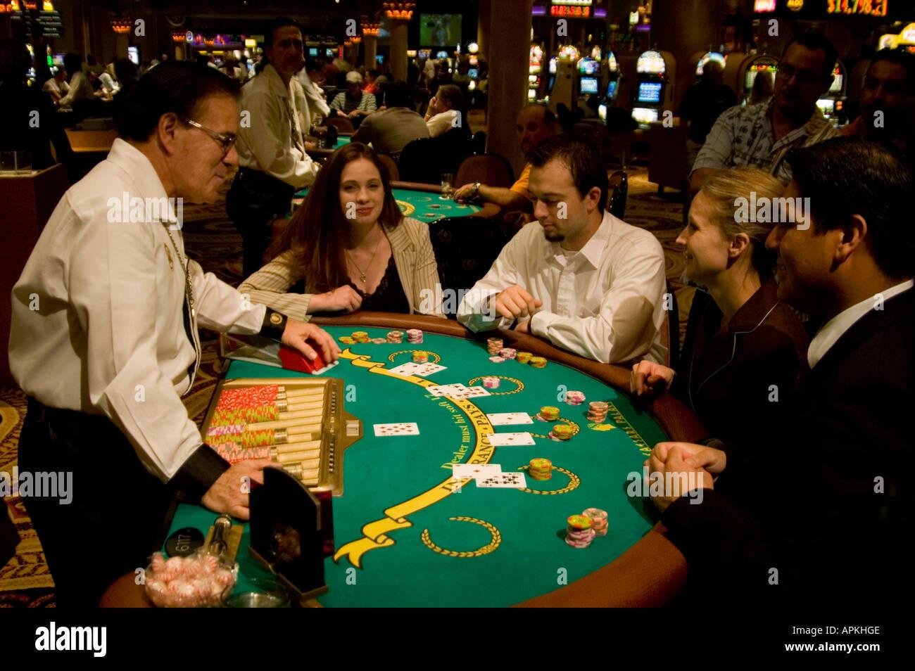 casino club live dealer