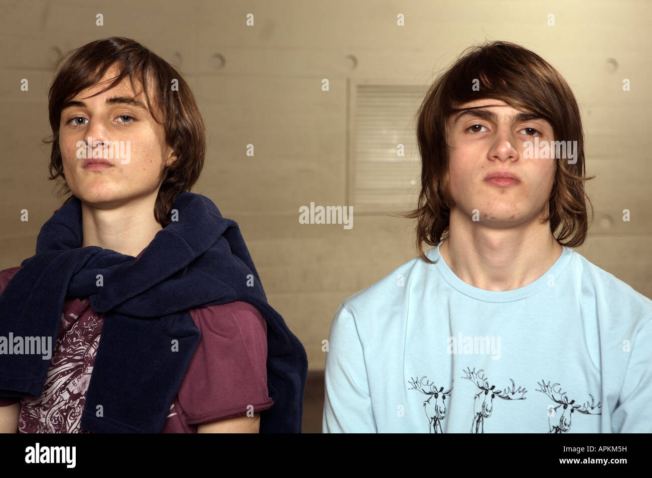 Students in cafeteria - Stock Image