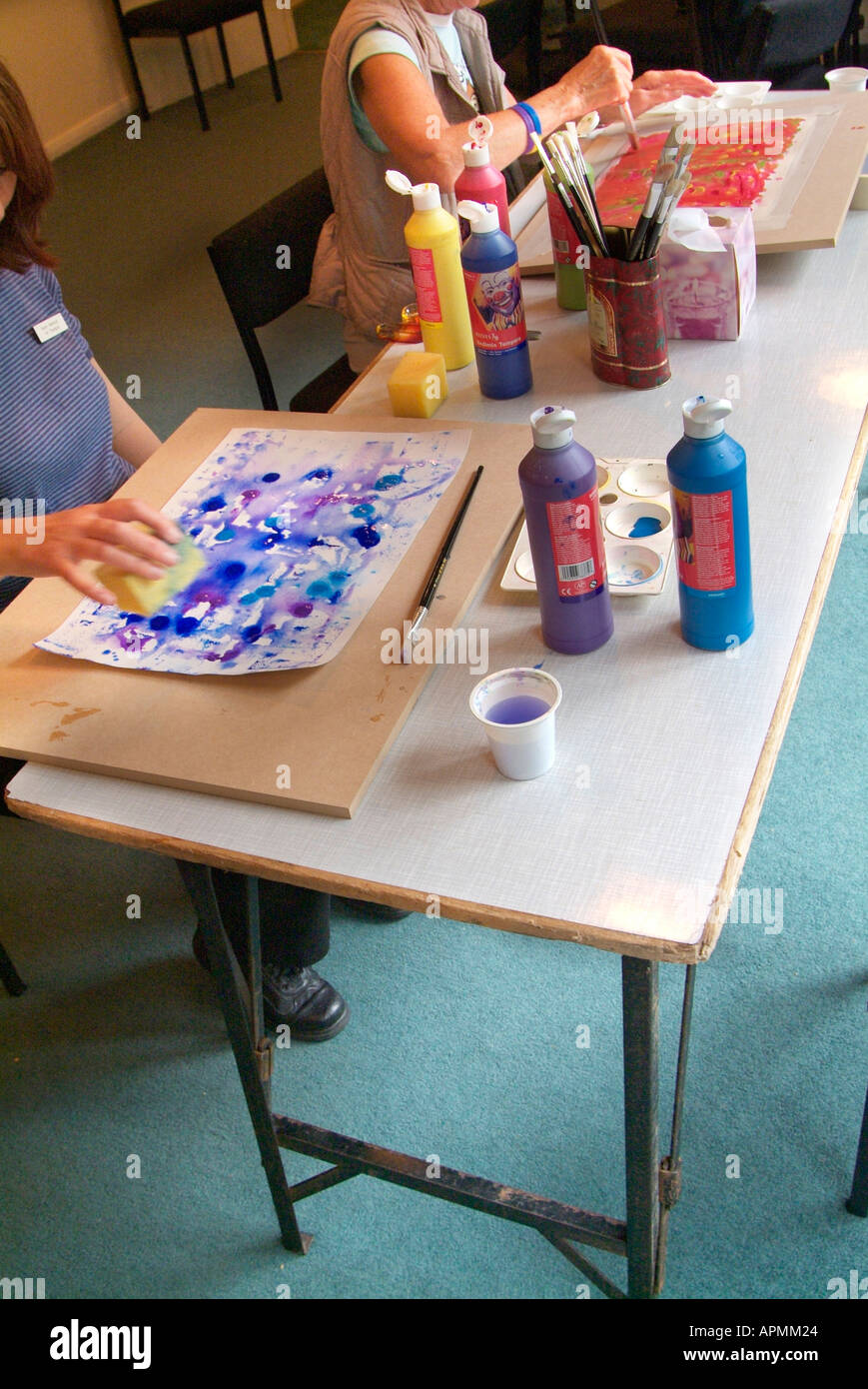 Painting Therapy Workshop Water Colour Color Table Top Drawing Board