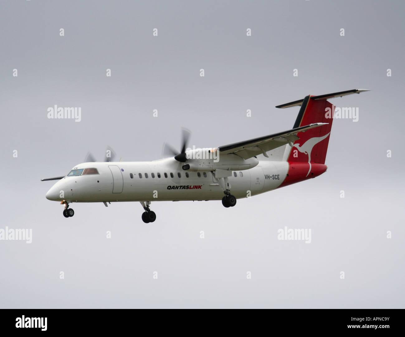 QantasLink Dash 8 turboprop airliner - Stock Image