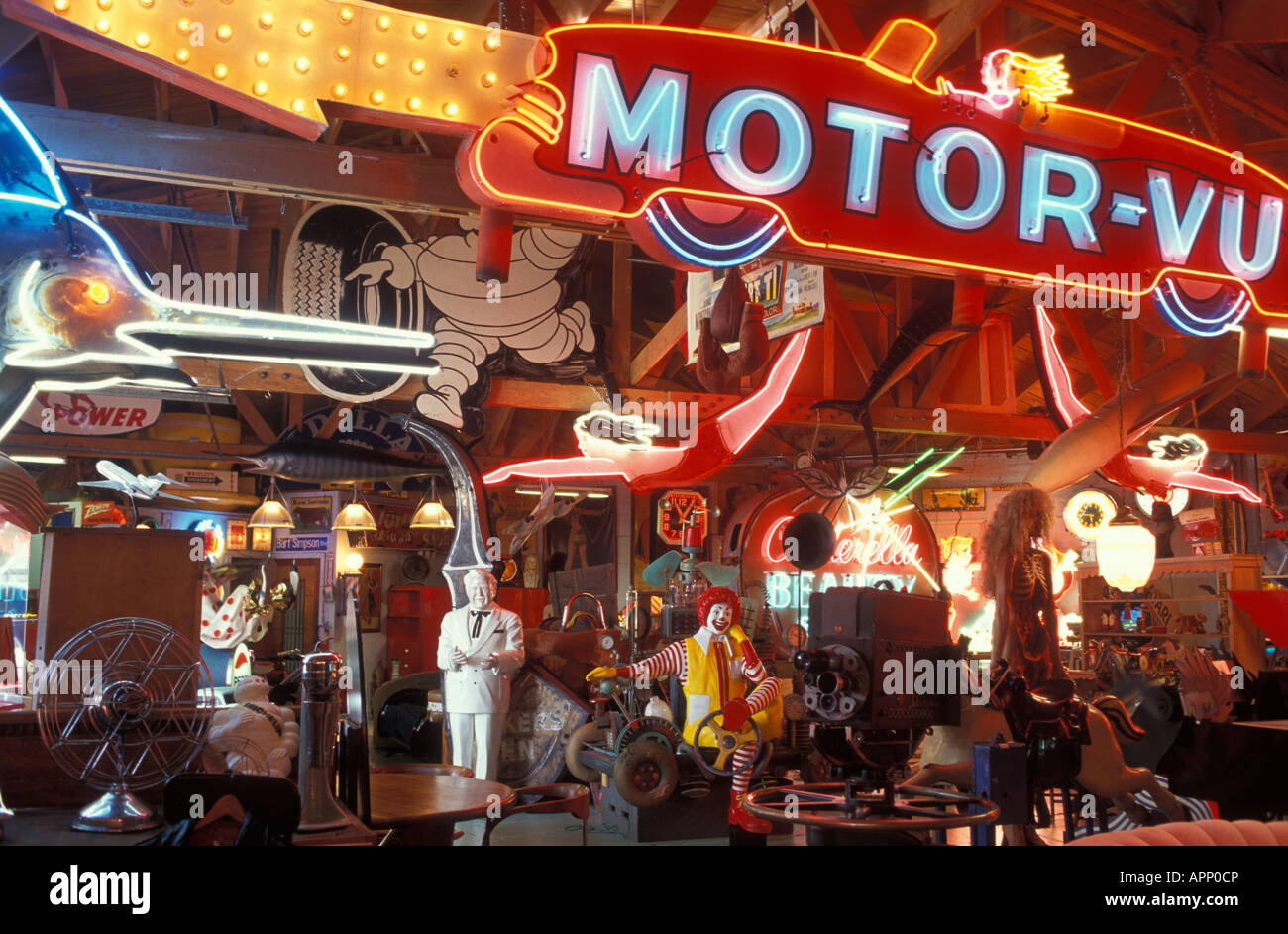 antique shops los angeles Antiques shop OFF THE WALL at Melrose Avenue in Hollywood Los  antique shops los angeles