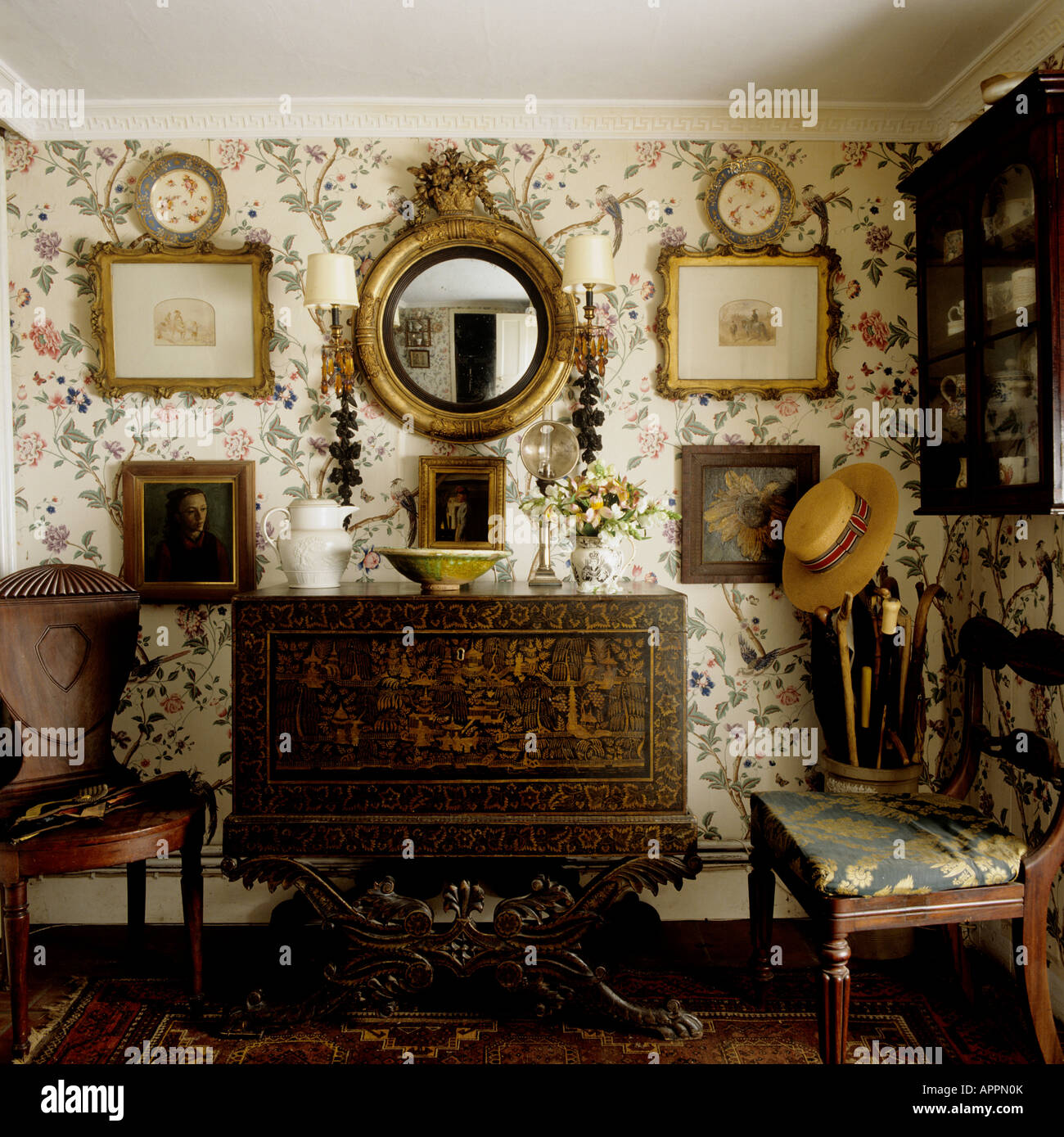 20 Modern Interior Decorating In Traditional English Style: English Cottage Interior Stock Photos & English Cottage