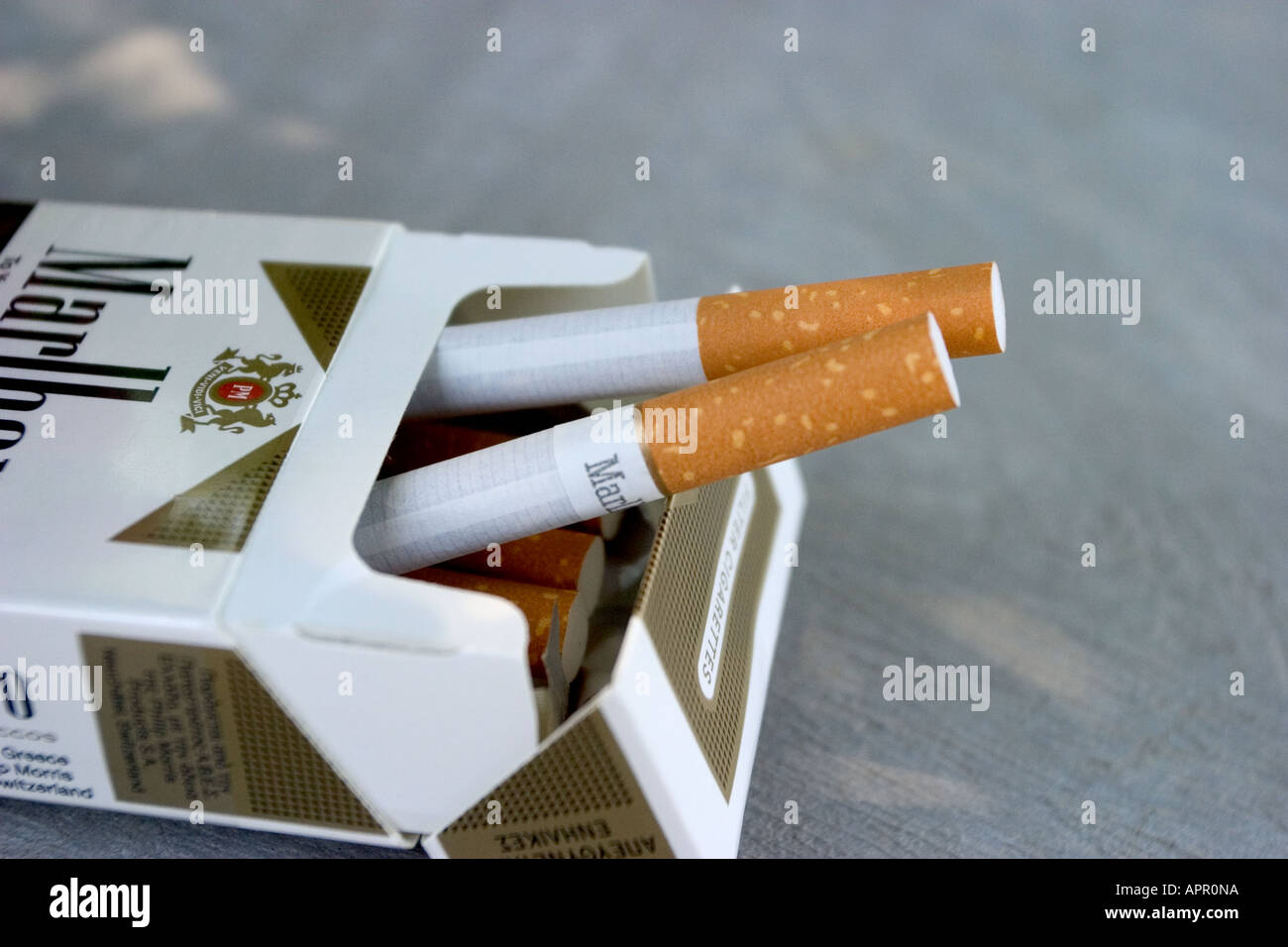 How much LM cigarettes cost in United Kingdom