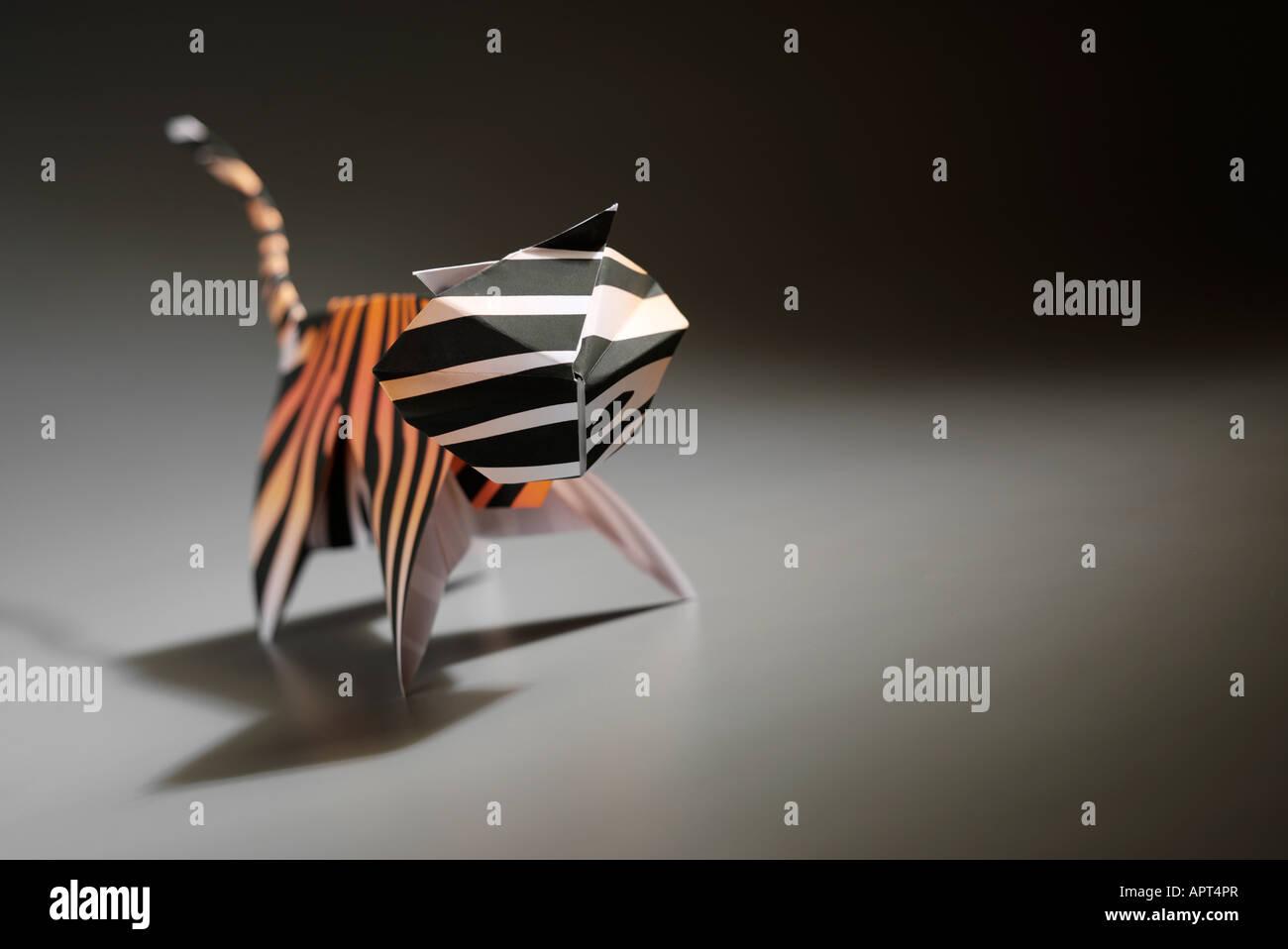 Tiger Design: Hideo Komatsu Fold: Aarón Ramírez Paper: 45x… | Flickr | 958x1300