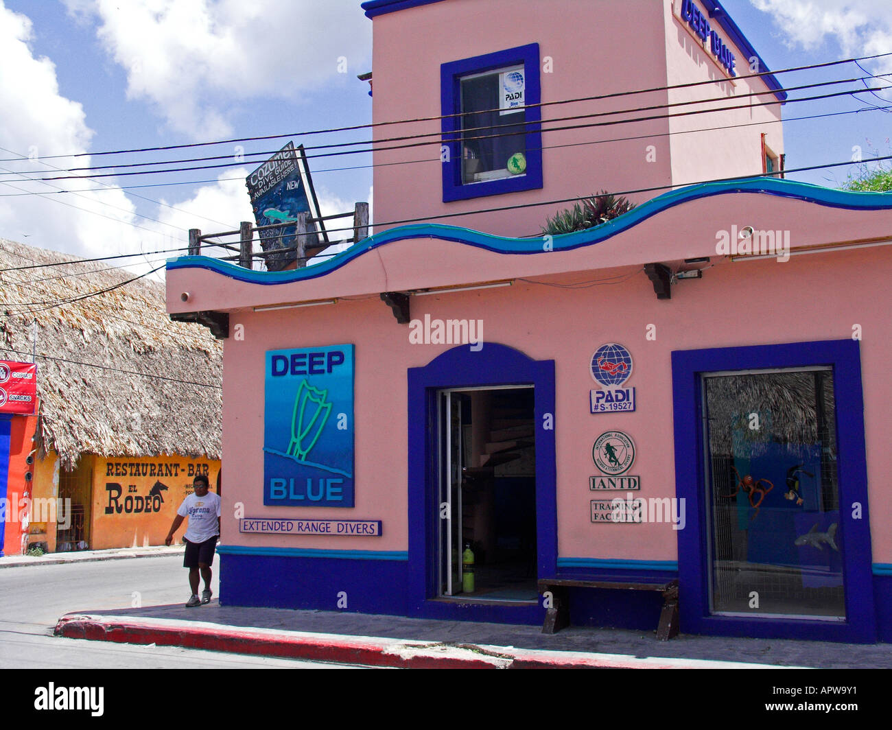 Padi dive center stock photos padi dive center stock - Dive shop mexico ...
