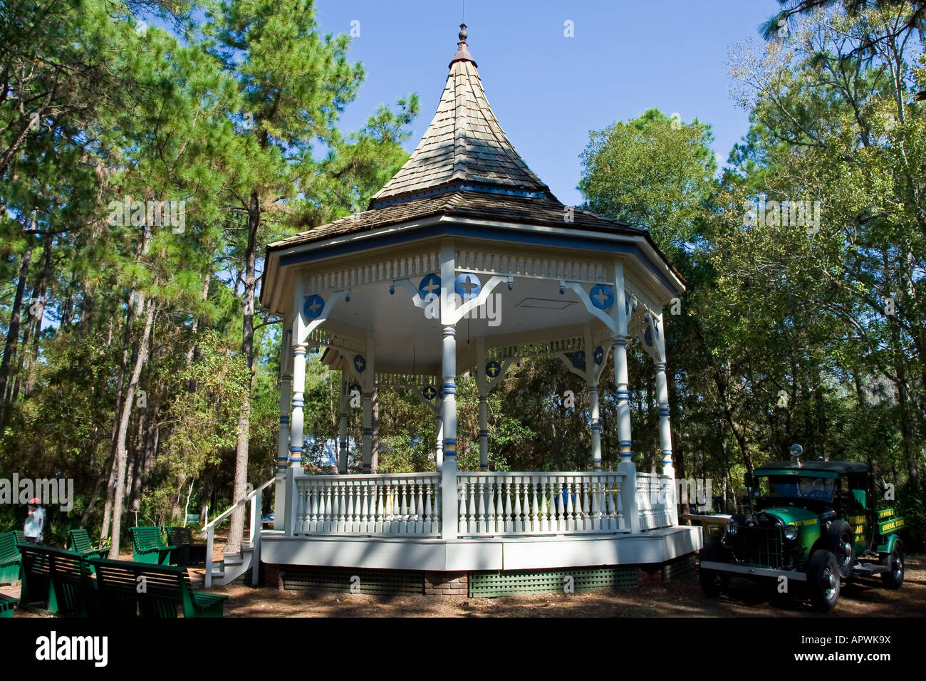 early 20th century gazebo and antique Ford truck - Stock Image