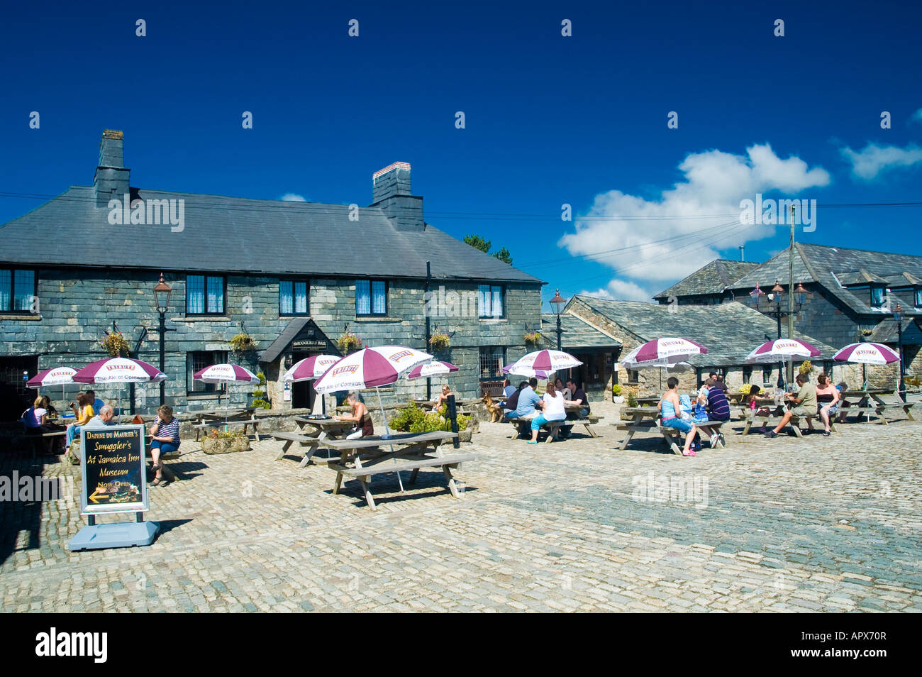 'Jamaica Inn' hotel Bodmin Moor Cornwall. An old coaching Inn made famous by Daphne du Maurier in her novel - Stock Image