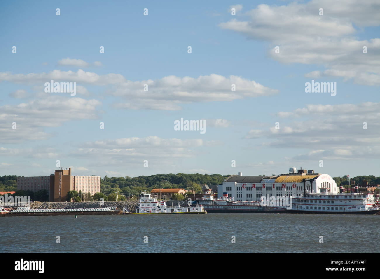 IOWA Davenport Mississippi River Rock Island and riverboats across water Stock Photo