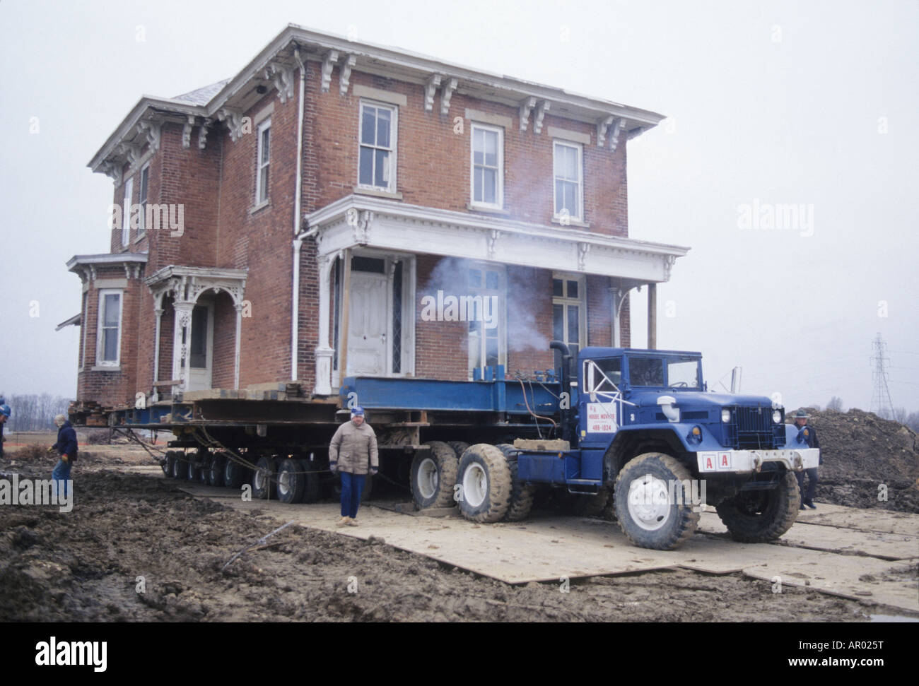 House on truck trailer ready for move ohio usa home moving for How to move a building