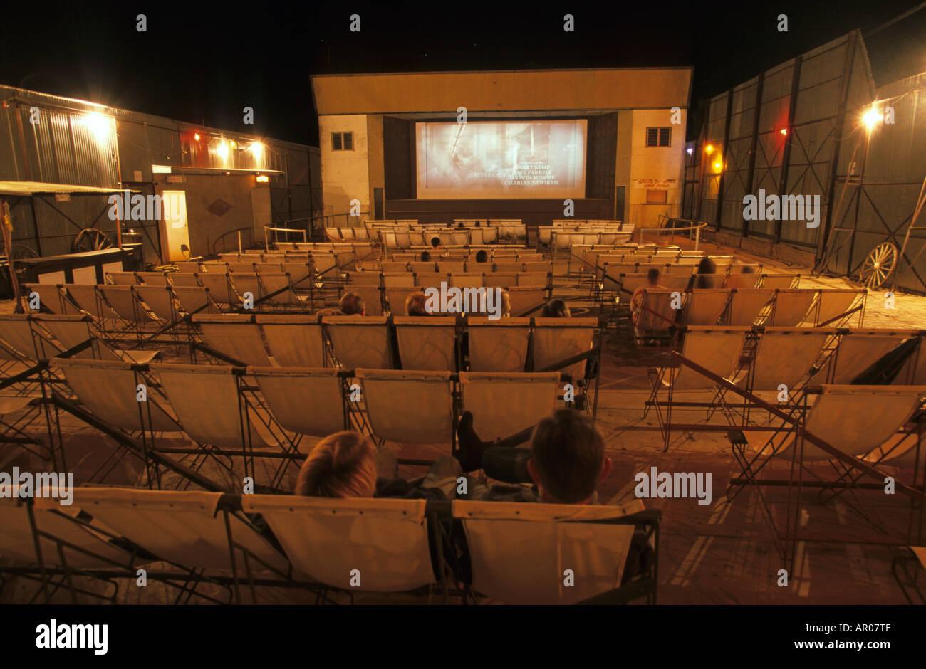 Open Air Cinema, Matilda Hwy, Australien, Queensland, Maltilda Highway, Royal Theatre outdoor picture theatre in Winton from 193 - Stock Image