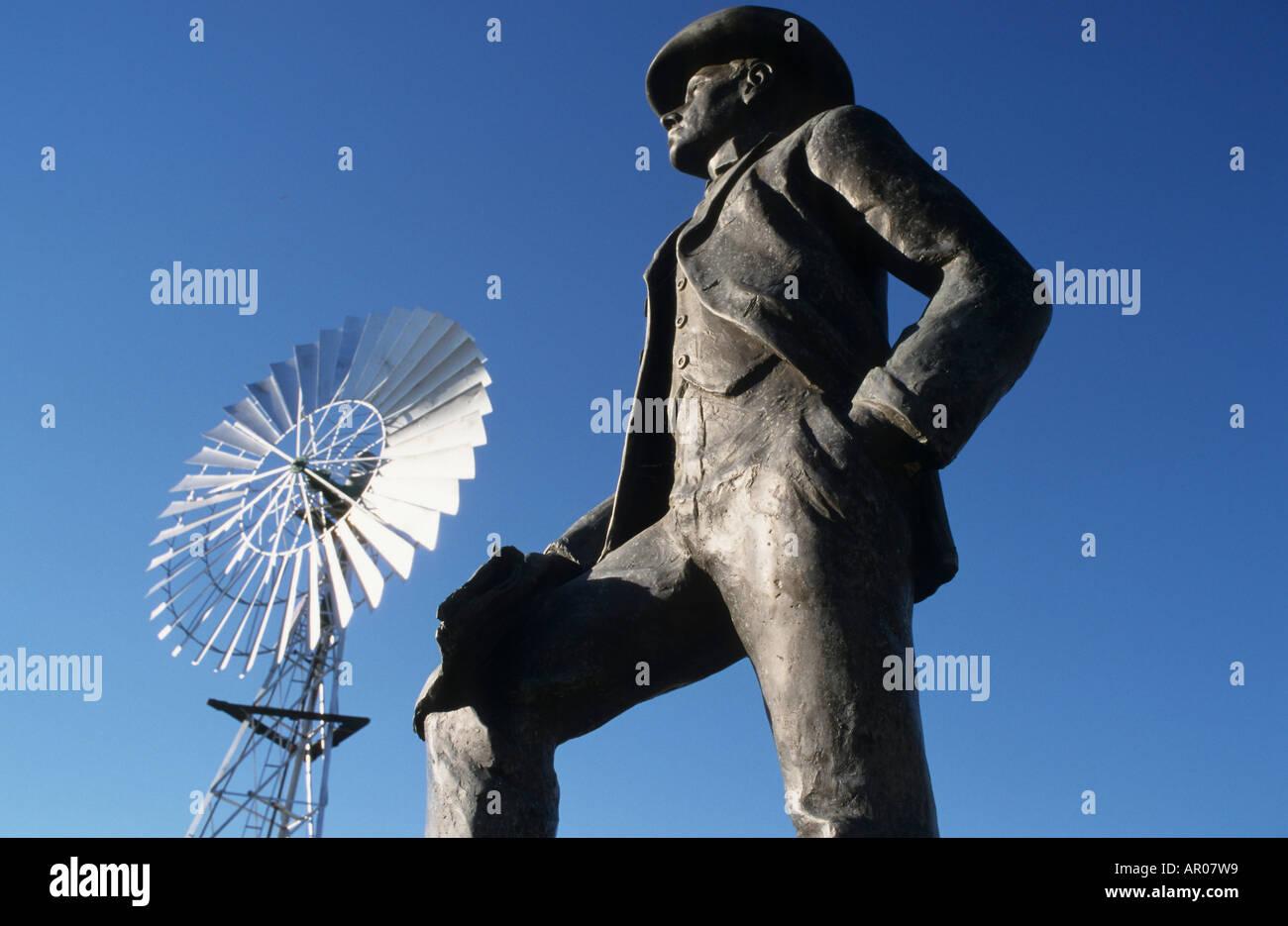 A.B. Banjo Paterson, songwriter, Matilda Hwy, Australien, Queensland, Maltilda Highway. A.B. Banjo Paterson statue. Author of Wa - Stock Image