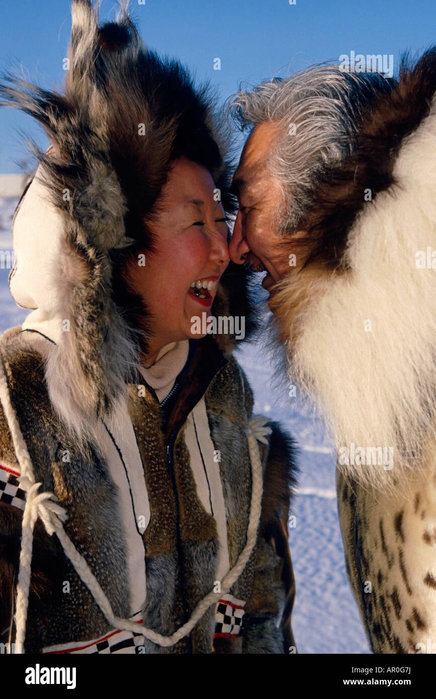картинка как здороваются эскимосы бы