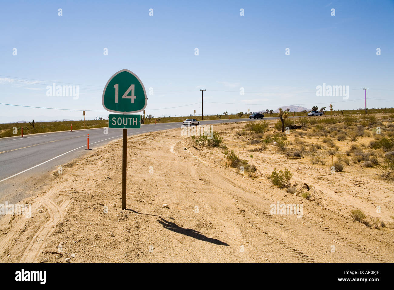 Highway 14 junction South, Antelope Valle Freeway, Midland Trail, California, USA - Stock Image