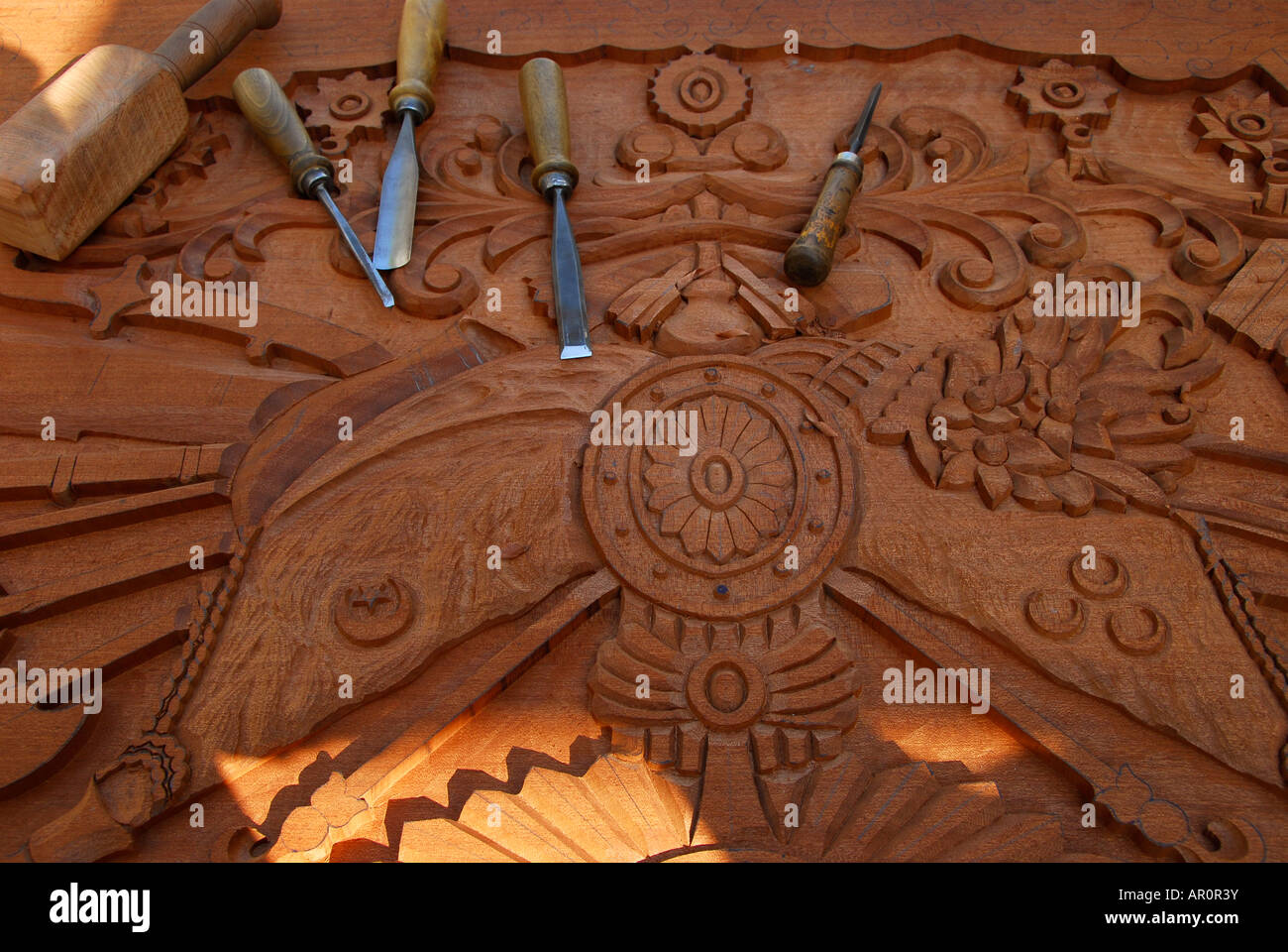 WOOD ENGRAVE AND TOOLS - Stock Image