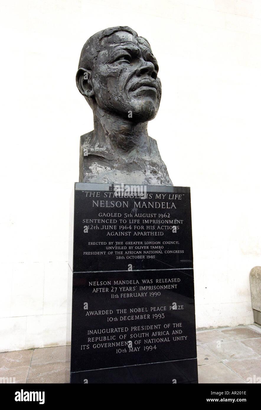 Statue of Nelson Mandela by Hungerford Bridge in London England UK - Stock Image