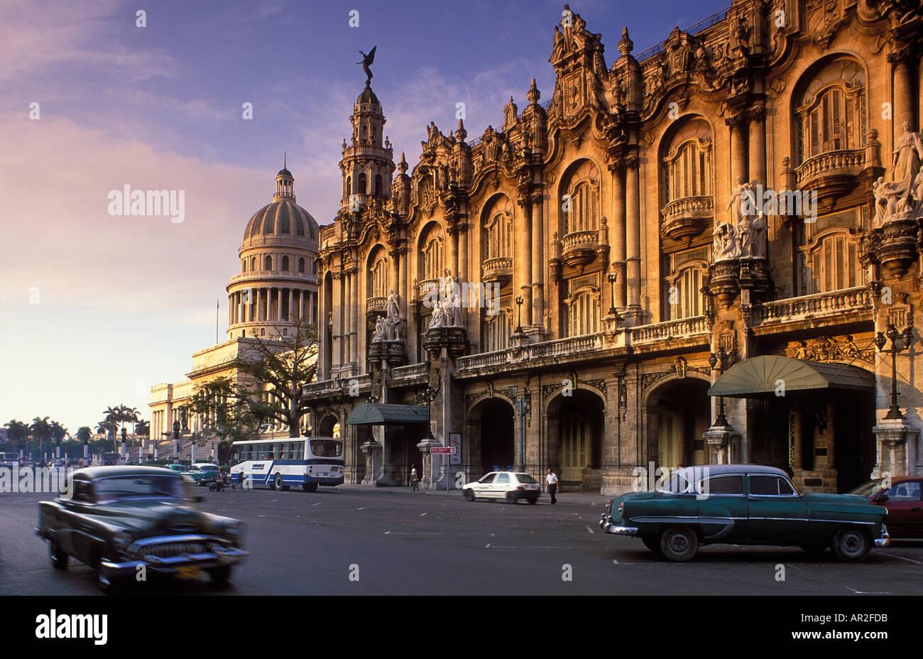 Old cars passing the Gran Teatro Capitolio Habana Vieja ...