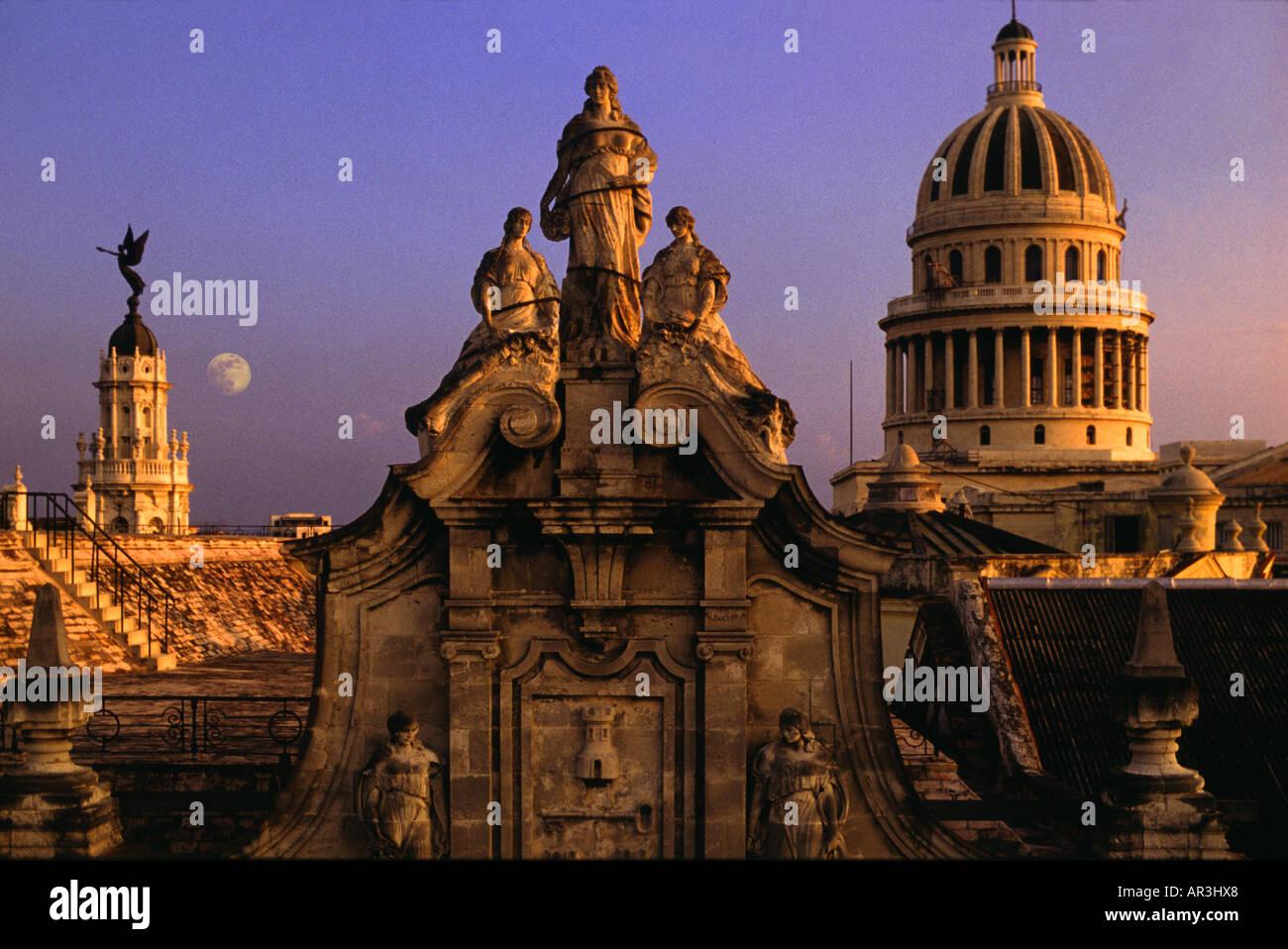 Moonrise over the Capitolio, Havana, Cuba, Carribean, America - Stock Image