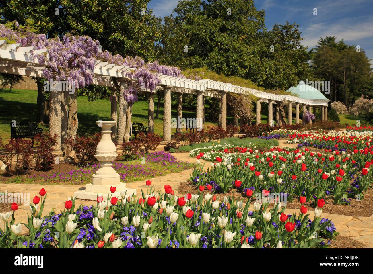Italian Garden at Maymont Park, Richmond, Virginia, USA Stock Photo ...