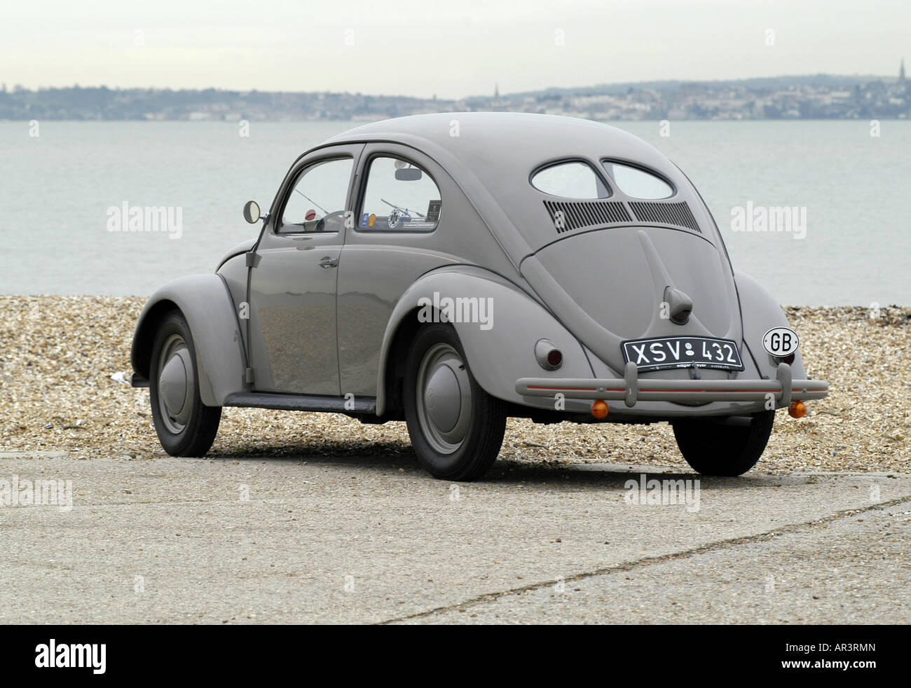 1951 VW Volkswagen Beetle split oval rear window - Stock Image