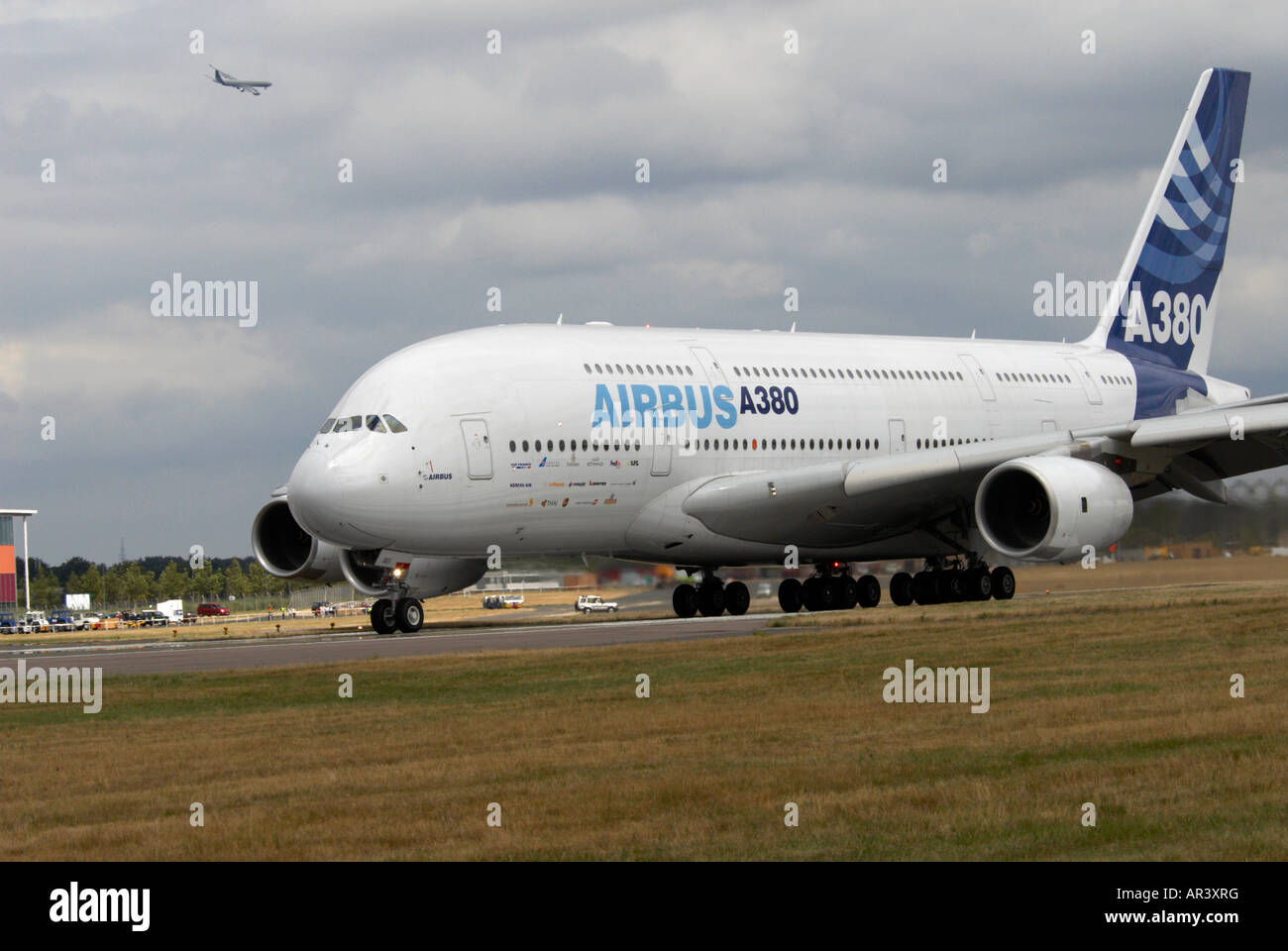 airbus a340 800 stock photos airbus a340 800 stock images alamy