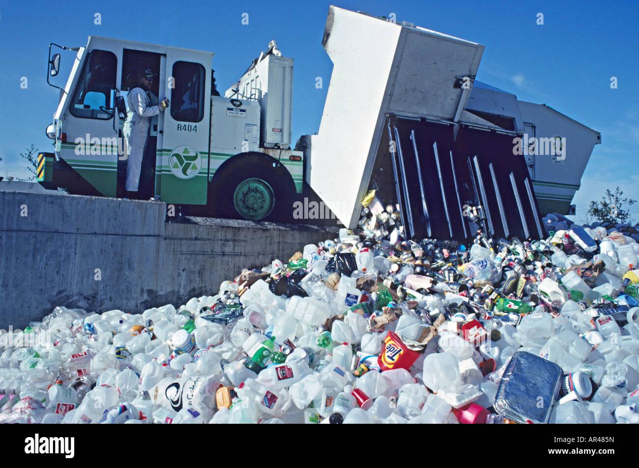 Recycling station, Richmond, California - Stock Image