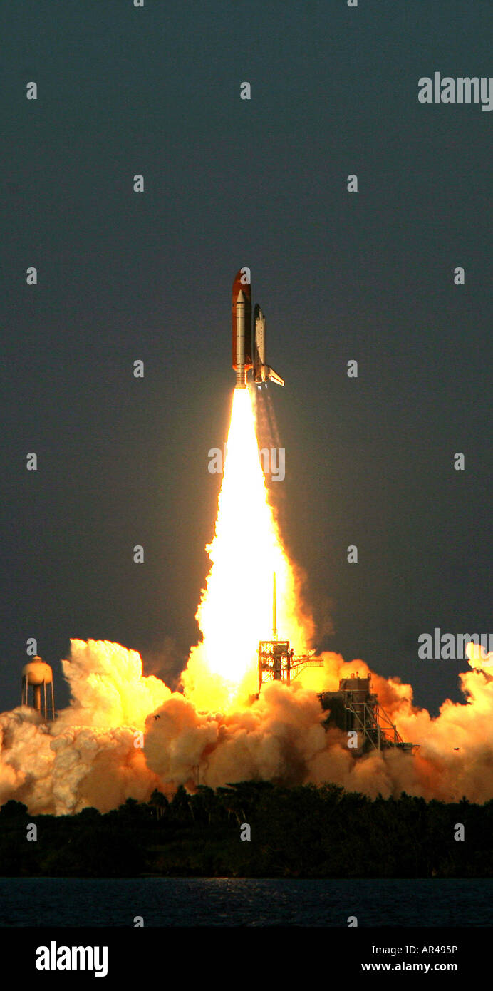 Lift off of Space Shuttle, NASA STS-117, the 21st Space Station Flight, from the John F. Kennedy Space Center on - Stock Image