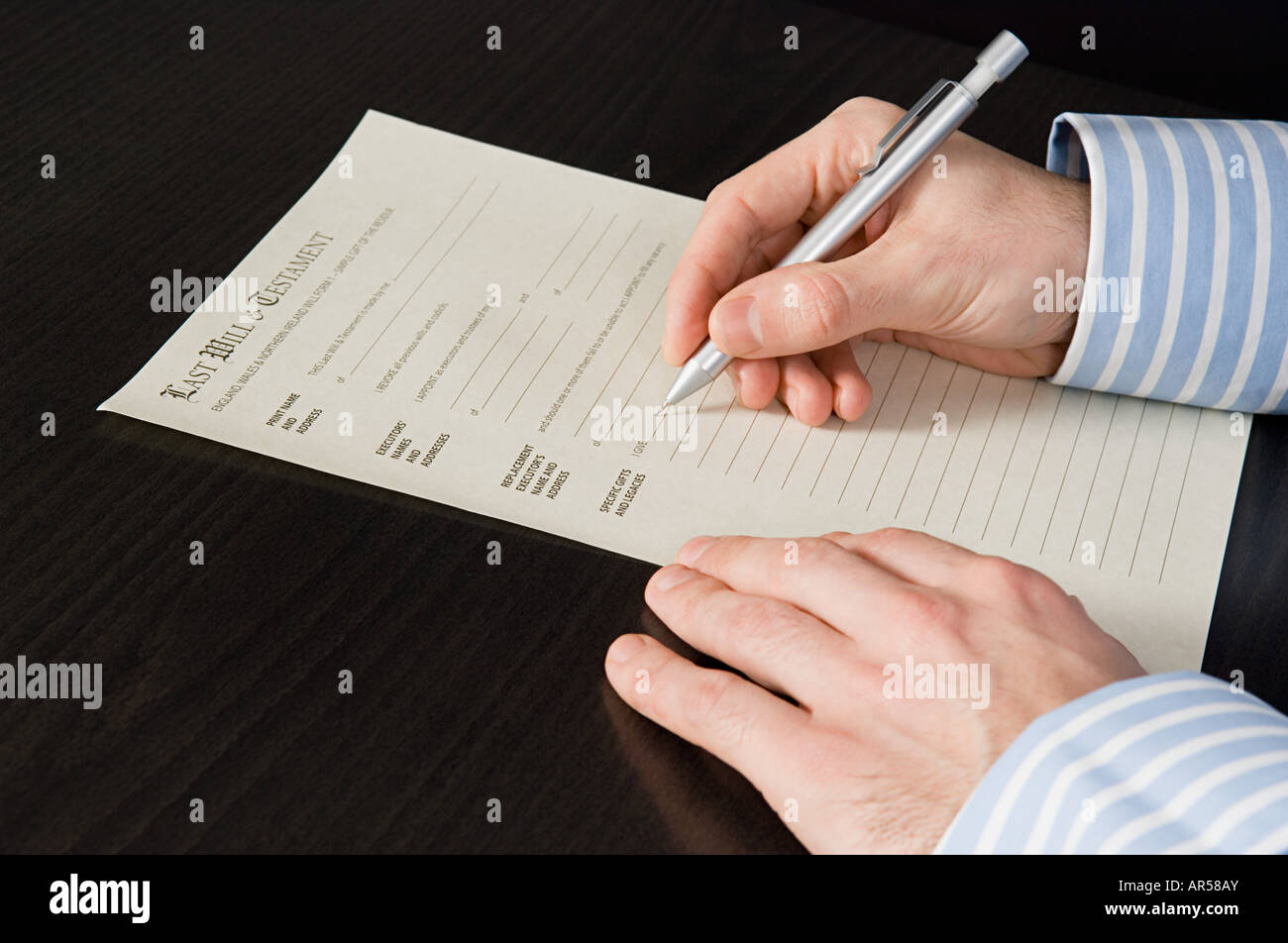 Person signing will - Stock Image