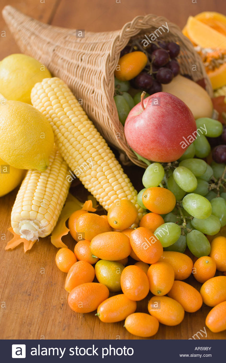 Cornucopia with fruit and vegetables - Stock Image