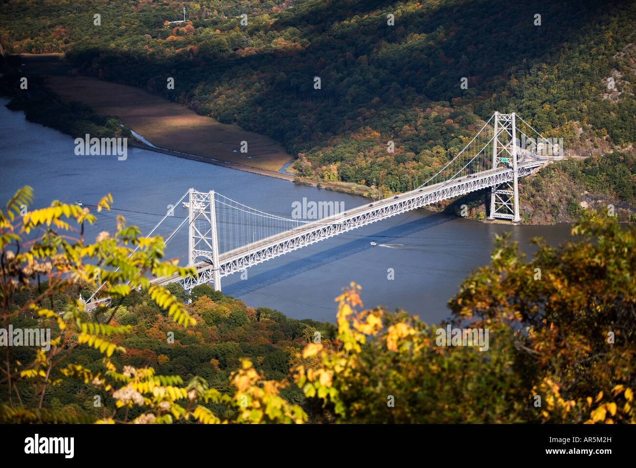 Bear mountain bridge over hudson river - Stock Image