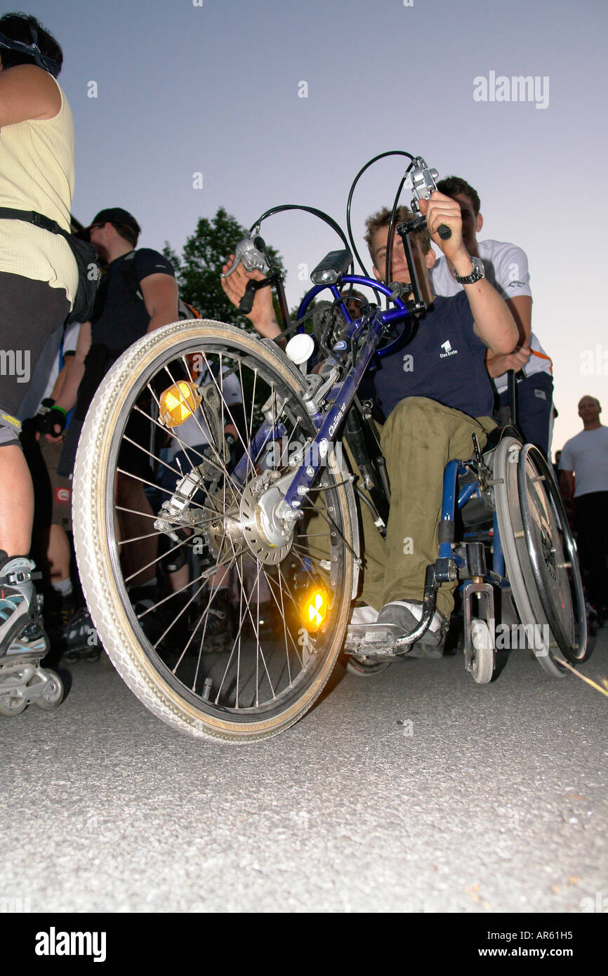 Inline handicapped wheelchair sportler - Stock Image