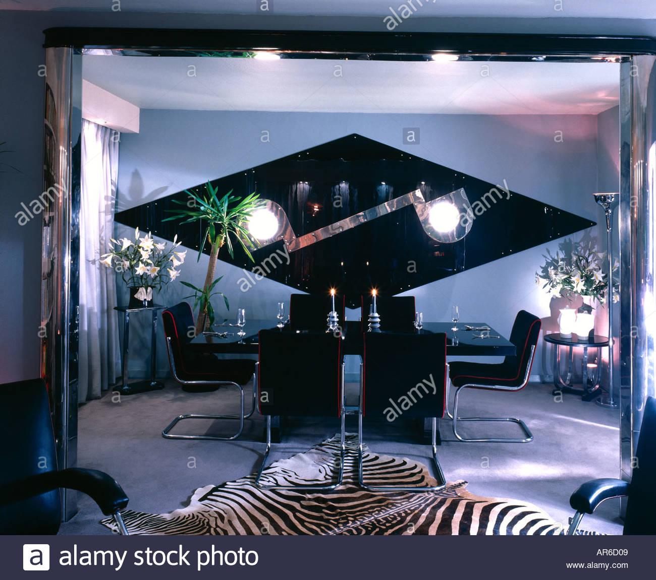 Apartment, Willesden Land. Eighties dining room. Architect: Mary Vango - Stock Image
