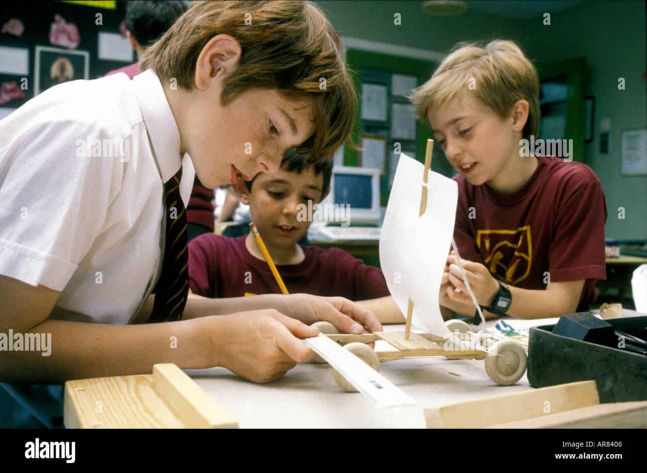 Design Technology class in secondary school - Stock Image