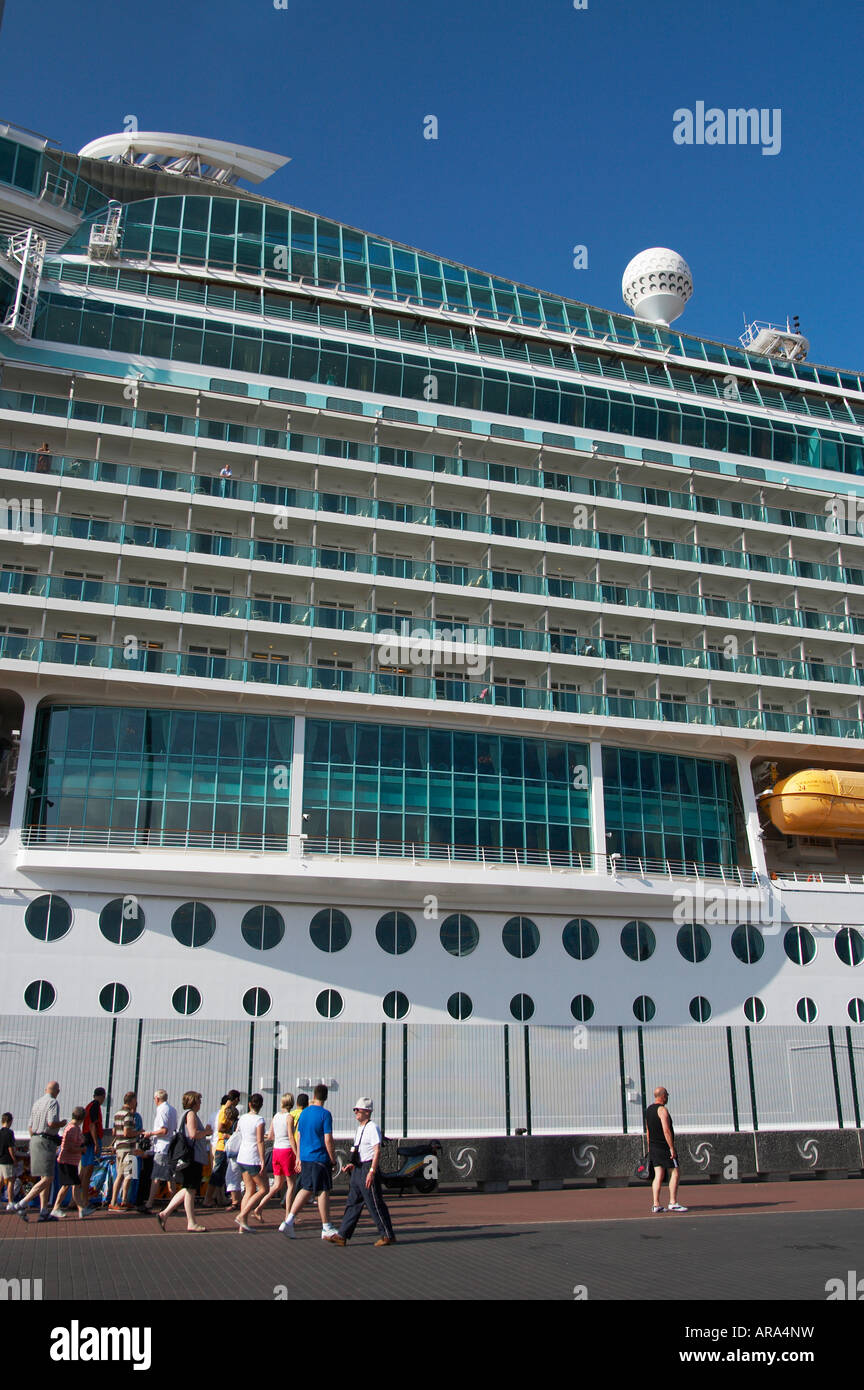 Passengers leaving cruise ship 'navigator of the seas' to visit La Palmas on Gran Canaria in the canary - Stock Image