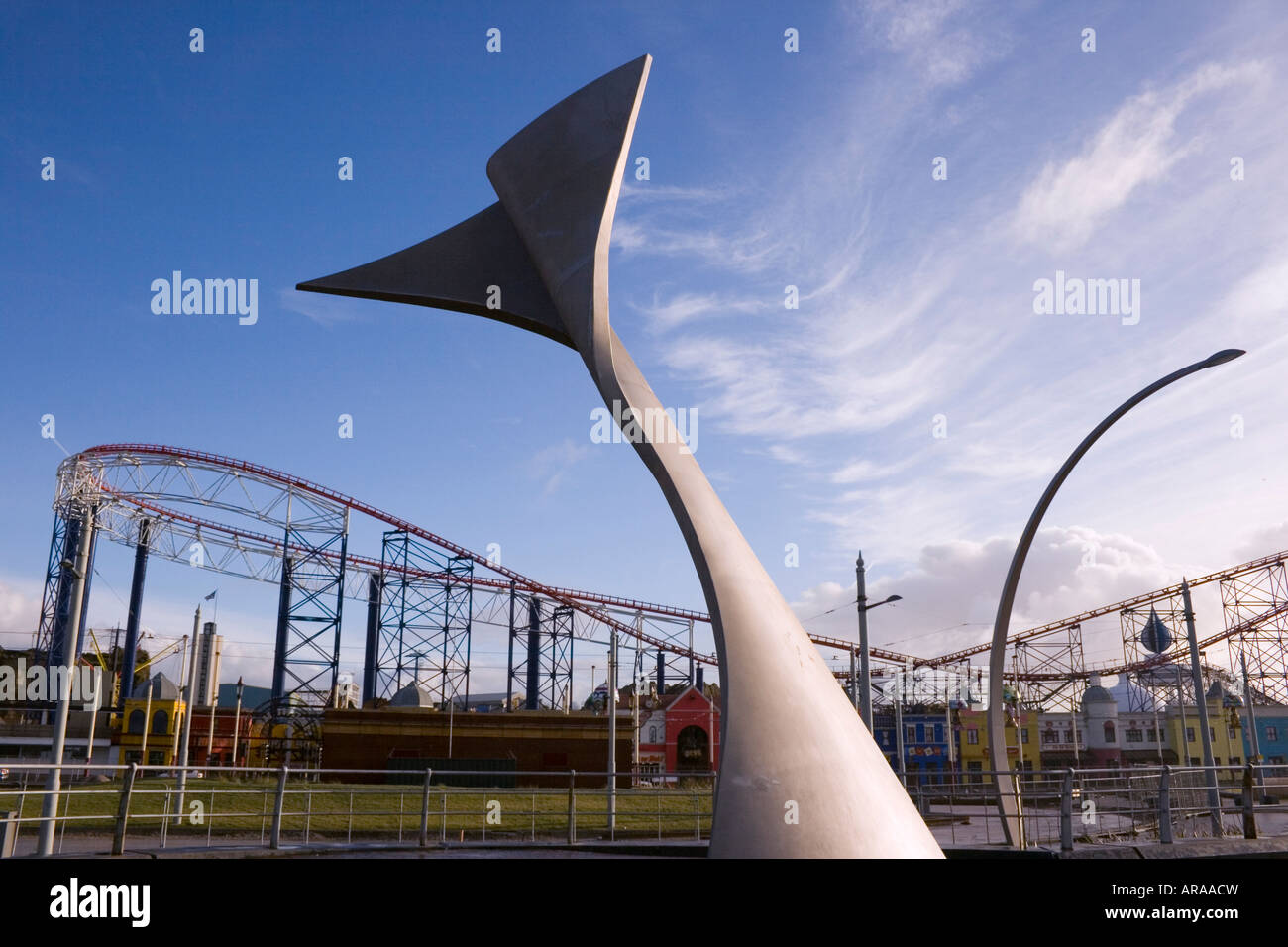 Blackpool Lancashire England South Promenade Swivelling Wind Shelter sculpture with Big One roller coaster behind - Stock Image